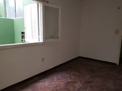 Apartamento En Figurita Esq. Garibalid Próximo A Gral Flores