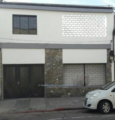 Casa Reciclada En Venta Con Renta Asegurada!!