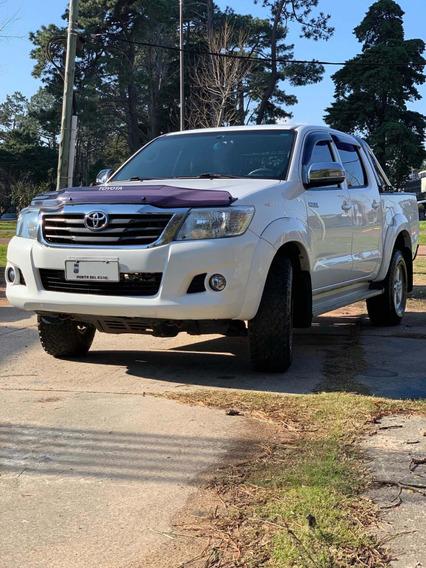 Toyota Hilux 2.7 Cd Srv Vvti 4x2 - No Permuto