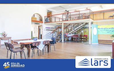 Oficina En Alquiler / Ciudad Vieja - Inmobiliaria Lars