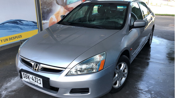 Honda Accord - Impecable