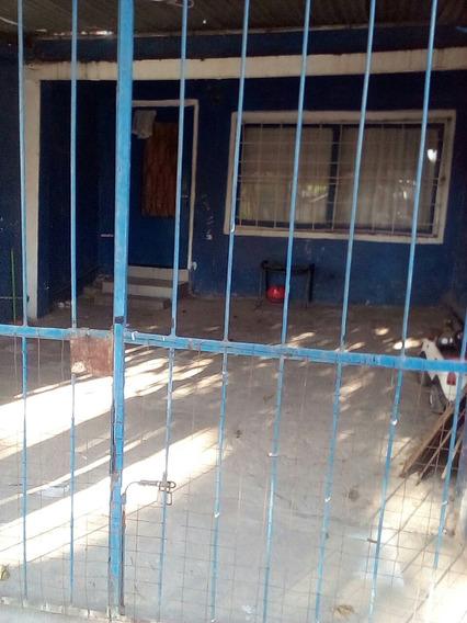 Vendo Casa De Dos Planta Por Viaje 350.mil Pesos