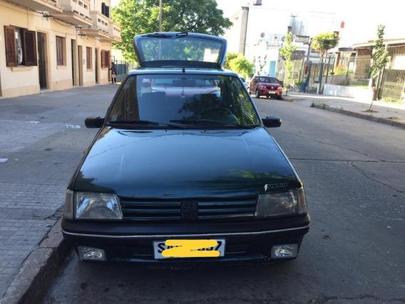 Peugeot 205 Xsi - Dos Puertas Sedan - 1.4 Inyección