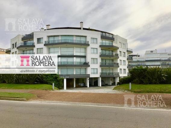 Venta Departamento, Playa Mansa, 2 Habitaciones Cochera