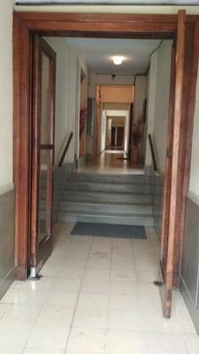 Apartamento Al Frente Con Balcon El Mejor Con Ascensor