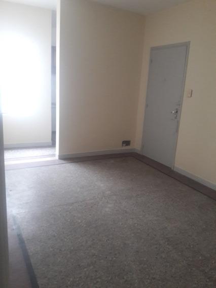 Apartamento 1 Dorm.living,cocina Y Baño