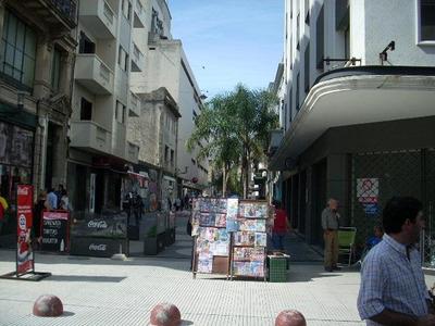 Casa Ciudad Vieja Alzaibar Y Sarandí