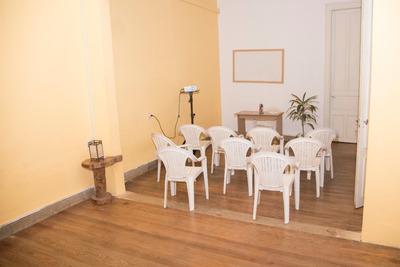 Salones De Clase, Talleres, Cursos Y Seminarios