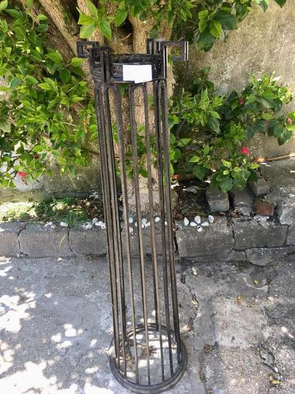 Macetero, Pedestal En Hierro,antiguo. La Paloma Rocha