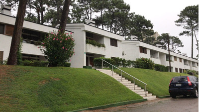 A Apartamento En Complejo Con Piscina Y Gran Parque