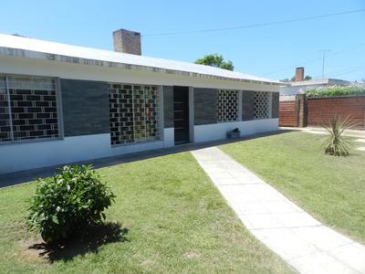 Casa De 3 Dorm Y Barbacoa Al Fondo De 100 Mts2