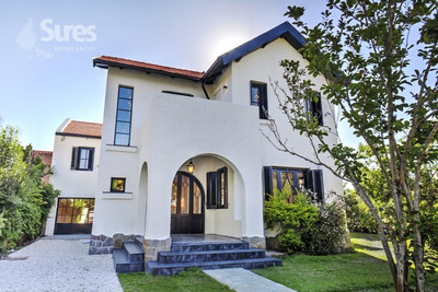 Casas Alquiler Carrasco Montevideo Elegante & Cálida Casona Para Empresa