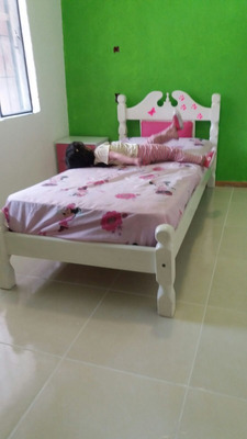 Casa Con 3 Dormitorios De Planchada Y Monohambiente