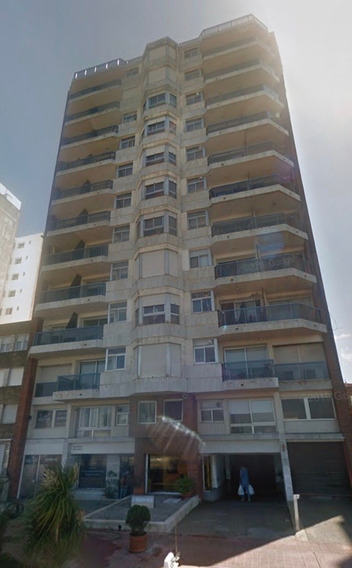 Dueño Vende Garage Doble 46 M2 En Malvin Edificio Martinica