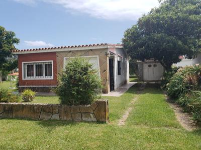 Muy Linda Casa 2 Cuadras De La Playa Y 2 Del Centro