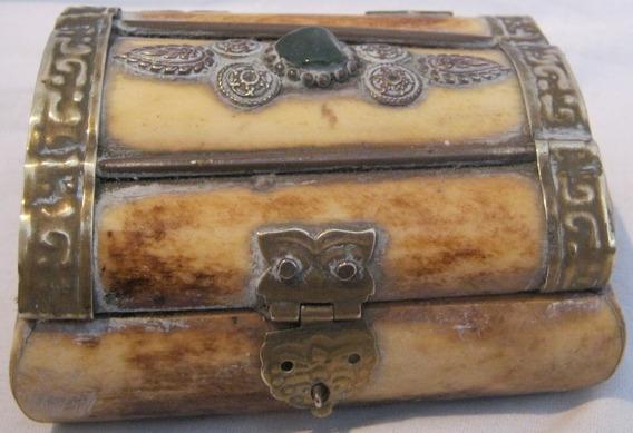 Caja Alhajero En Hueso Con Herraje En Bronce Interior Forrad