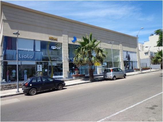 Local En Punta Del Este, Peninsula | Playa Del Este Ref:10756-ref:10756