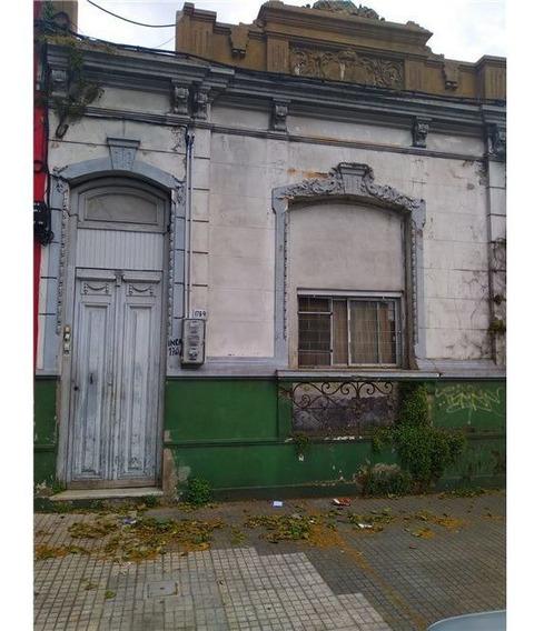 Casa Con Renta En La Comercial