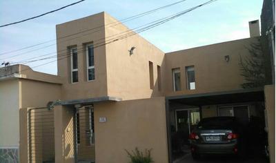 Moderna Casa En Mercedes , Cerca Rambla, No Inundable
