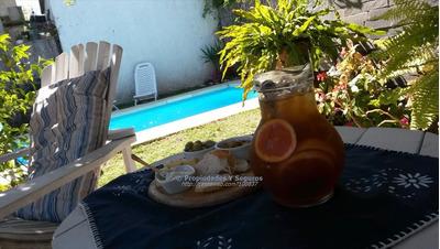 Se Vende Casa En Lagomar C/piscina + Apto. Divina!!