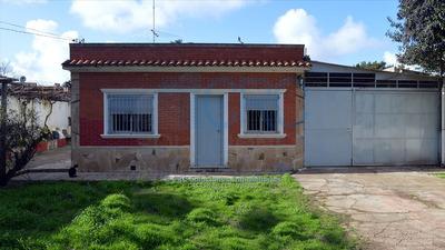 Casa Venta O Permuta 2 Dormitorios Amplio Terreno