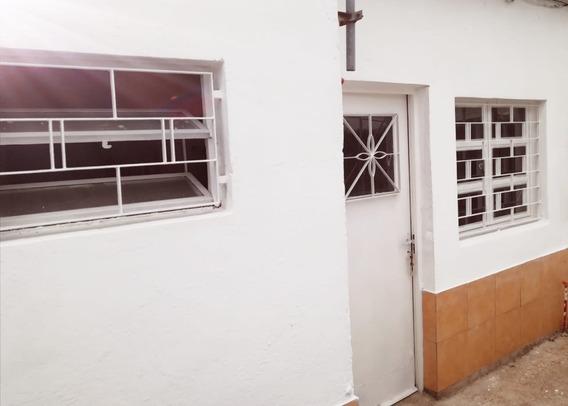 Apartamento En Alquiler Amplio.
