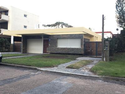 Reciclada A Nueva,casa 3 Dorm, 2 Banos Y Barbacoa Con Apto.