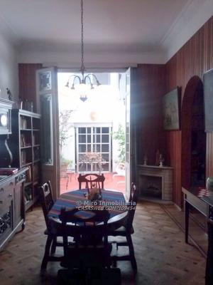 Enorme Casa De Gran Estilo En Calle Uruguay Y Vázquez