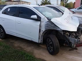 Chevrolet Onix Ltz Chocado Resto De Banco Por Partes
