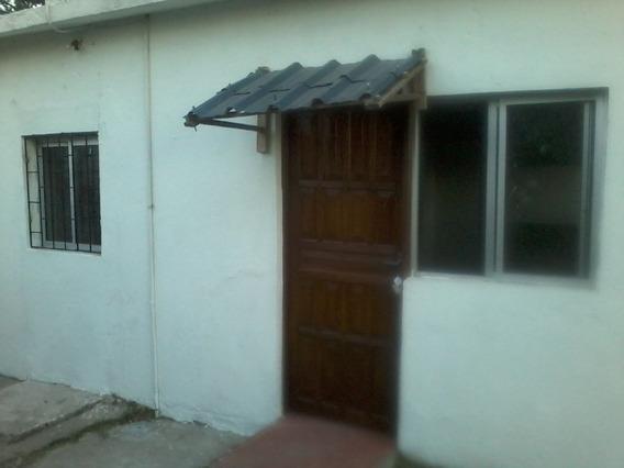 Casa De 2 Dormitorios En Paso De La Arena.