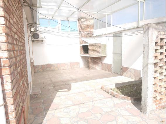 Muy Segura!! Patio, Barbacoa Y Garage. A Mts De Antel Arena.