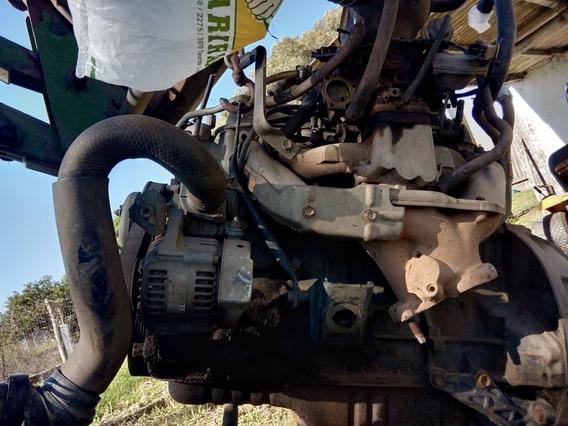 Toyota Hilux Pikup Nafta