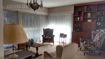 Apartamento 3 Dormitorios, 2 Baños, Servicio, Losa Radiante, Garage . Amplios Placares