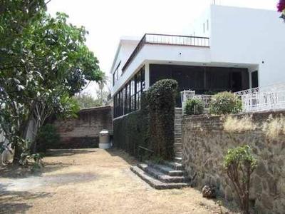 Se Vende Amplia Casa Para Remodelar Y Con Opción Uso Comercial !! Cent