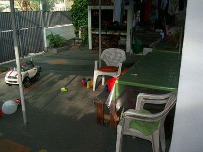 Derechos Posesorios, Ph Al Frente Con Jardín Y Cochera