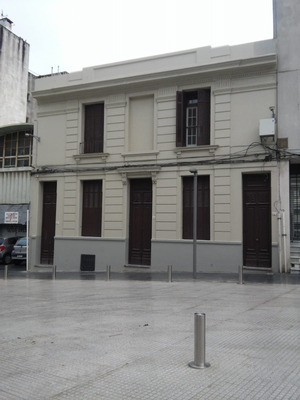 Alquiler De 4 Casas. A Pasos De La Rambla De La Ciudad Vieja