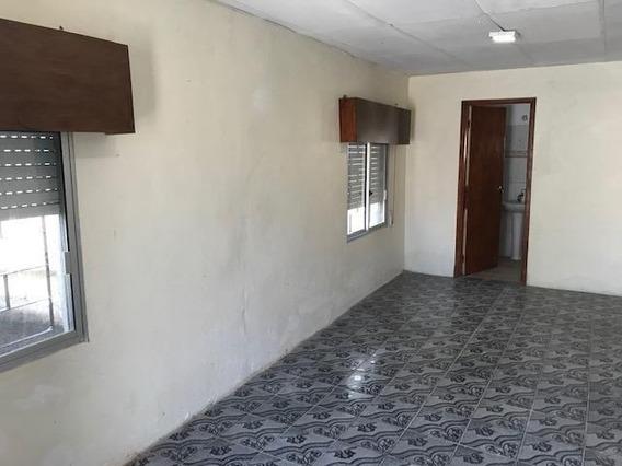 Casa Con Jardín Y Fondo En Rio De Janeiro Y Suecia
