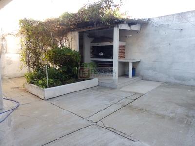 Venta De Casa De 3 Dormitorios, Fondo Y Cochera - Unión