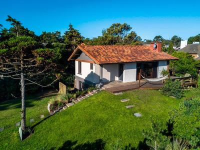 Hermosa Casa A 50 Mts De La Playa, Parada 38 1/2 De Pinares.