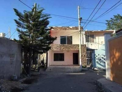Casa En Venta, En Cd. Del Carmen. Col. Miguel De La Madrid.