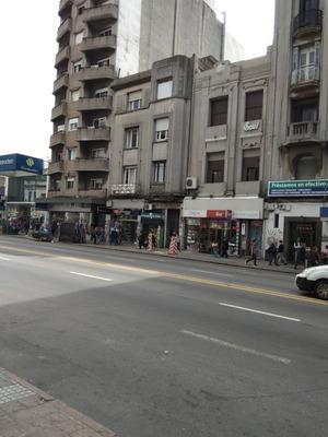 Avenida 18 De Julio Esquina Minas