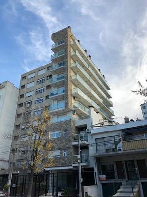 Apartamento Un Dormitorio Con Parrillero Propio, Losa Radiante, Seguridad