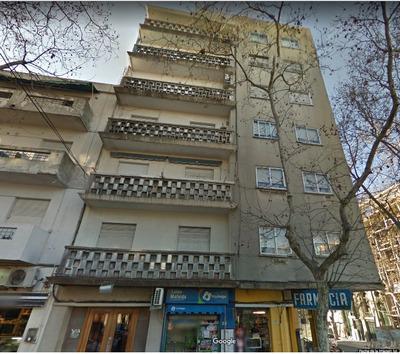 Excelente Apartamento 3 Dormitorios Con Jardín En El Centro