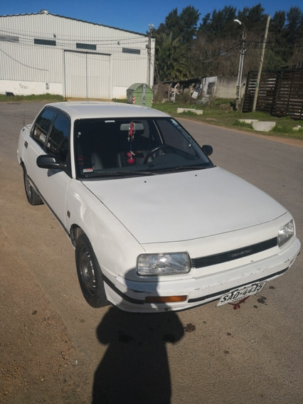 Daihatsu Applause Full