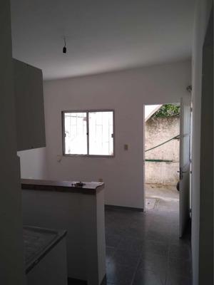 Apartamento Interior 2 Dormitorios A Media Cuadra De Rivera