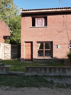 Duplex, 2 Dormitorios Y Patio. Funcional Y Muy Lindo.