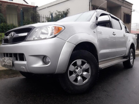 Toyota Hilux 3.0 Srv Impecable