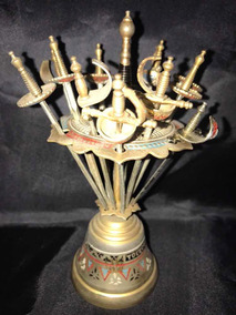 Antigua Campana De Toledo Con 12 Pinchos Espadas