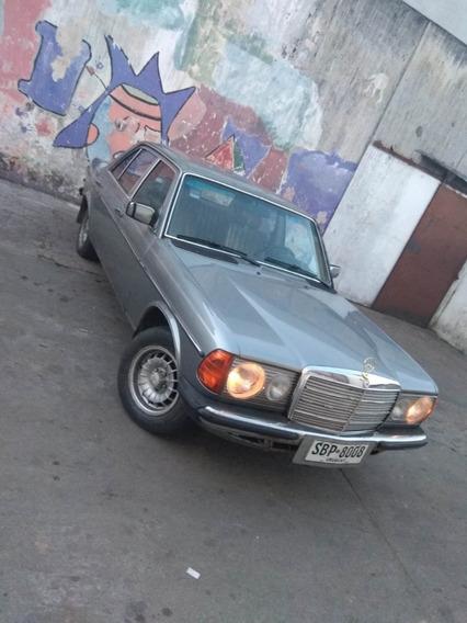 Mercedes Benz W123 (nafta Único En El País)
