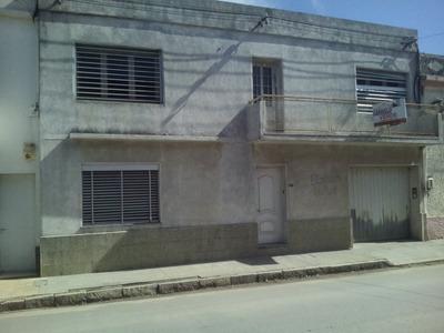 Excelente Casa Sobre Avenida Principal